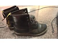 DR MARTENS IN AMAZING CONDITIONS ONLY 25£!!!!!! SIZE 39