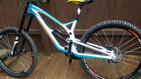 BRAND NEW 2018 Nukeproof pulse downhill mountain bike