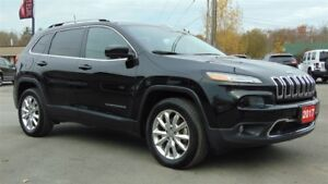 2017 Jeep Cherokee LIMITED 4X4 - TOW GROUP - ONLY 10,400 KMS