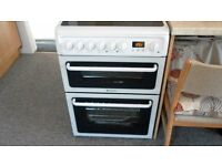 Hotpoint Cooker HAE60 Freestanding in White (One Month Old)