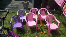 Kids garden table and 6 chairs