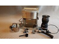 De Longhi EC710 Coffee Machine with Coffee bean Grinder