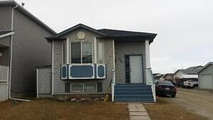Upstairs, 3 Bedrooms, 1 Bath for rent in Martindale NE