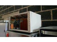 Boxed Ex Display Swan Cream Retro Style Microwave Oven