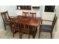 EXTENDING OAK TABLE & CHAIRS