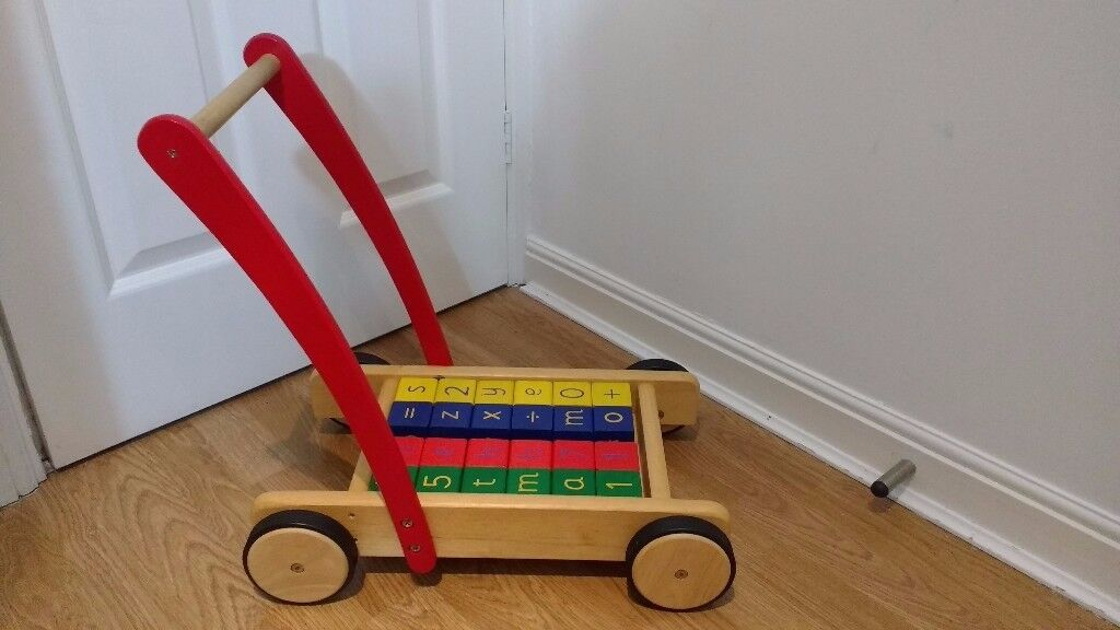 PINTOY - Wooden push along trolley with bricks