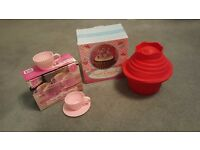 Giant cupcake silicone baking mound and 4 silicone teacup moulds with saucers