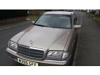 Mercedes c class for sale mot till January 2018 used daily and drives lovely
