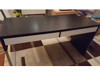 MICKE Black and White Highlights Desk (142x50cm)