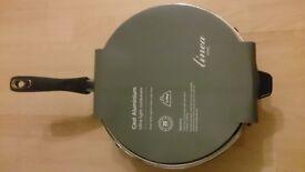 Brand new Linea Cast aluminium wok with lid