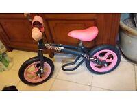 Peppa pig balance bike and scuttlebug