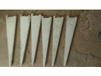 Spur Shelf Brackets