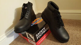 Dickies Safety Boots size 11 or EU 45 *Brand New*