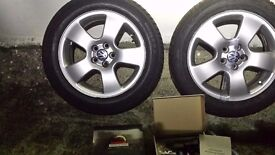 4 x alloy + winter snow tyres 205 55 16 and in car tyre pressure monitor