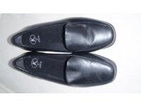 Womens shoes Kays K size 6 black slip on NEW