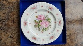 Bone China Royal Albert Birthday Plate in excellent condition