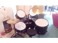 Drum kit, 7 piece set up, barely used