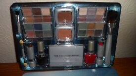 The Color Institute - New unopened Gift Set of Color Essentials