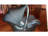 Urgent sale: Maxi-cosi baby car seat for sale excellent condition hardly used price nigotiable.