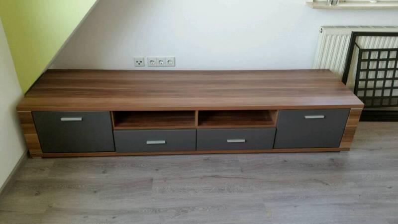 lowboard pflaumenbaum und graphit mit silber griffen in nordrhein westfalen remscheid ebay. Black Bedroom Furniture Sets. Home Design Ideas