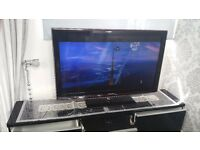 SAMSUNG TV FOR SALE - FULLY WORKING AND ABLE TO TILT