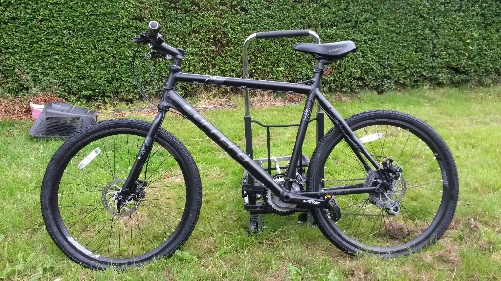 Hybrid Style Rigid Carrera Subway Mountain Bike 22 Inch Frame In