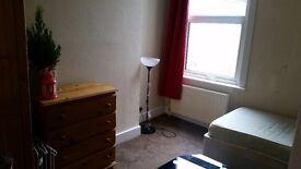 Single room for rent / jedynka pokoj do wynajecia