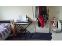 Electronic Keyboard in Good Condition