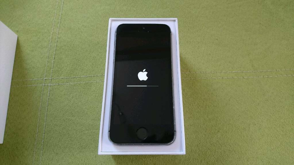 iPhone 5S Slate Grey (pickup onlyin Keighley, West YorkshireGumtree - No longer needed as I have another phone. Owned for 2 years but in great condition apart from minor wear and tear on edges (as seen in photos).Comes with original box, charger wire and plug adapter. Phone is unlocked so can be used on any...