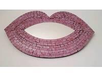 Pink lips mirror