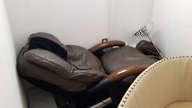 Professional massage chair . Good quality. Haven't used longer