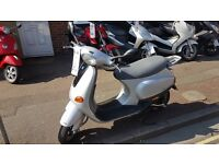 Piaggio ET4 50cc only 5800Mls on the clock £899