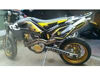 Husqvarna sm570r supermoto swop for sports bike 750cc +