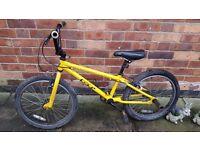 BMX BICYLE (YELLOW)