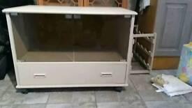 Tv cabinet.. picnic basket colour!