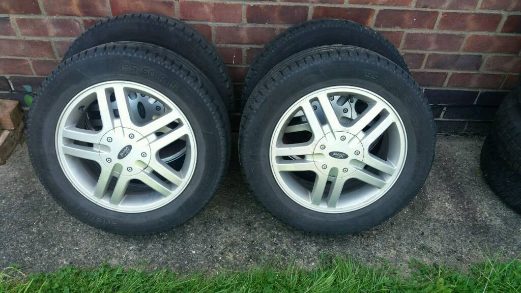 Ford Focus alloy wheel x 1. Full set available