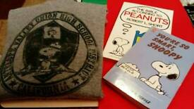 Peanuts/Snoopy Hoodie and books