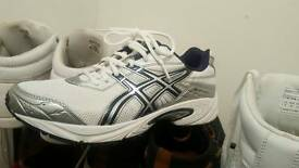 GEL shoes like brand new only i tested and its beger than me 9 uk size