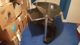 computer table for sale in good condition