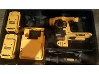 Dewalt sds hammer drill Dch364m2
