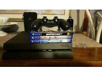 Playstation 4, 2 controllers plus games
