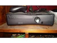 Xbox 360 slim 250GB with wireless controller