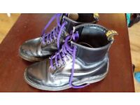DR MARTENS ONLY £24 SIZE 39