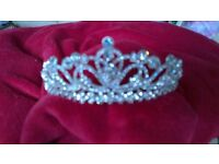 Diamonte Tiara brand new never used. Very sparkly.