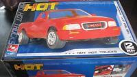 Modèle réduit AMT Hot Trucks 1994 GMC Sonoma Pickup 1:25 scale A