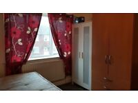 DOUBLE ROOM FOR COUPLES NEAR STRATFORD WESTFIELD E15 1PG - 2 WEEKS DEPOSIT-ALL BILLS INCLUDED-