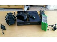 Xbox one 500gb with kinect,,temperamental tray, hence price