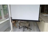 Projector screen with tripod, 5' Sq. excellent