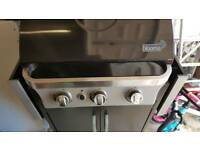 Blooma 3 burner has bbq & gas canister