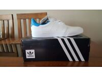 Adidas seeley court trainers size 8.5